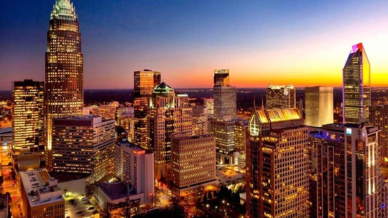 uptown charlotte north carolina skyline